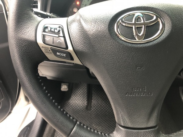 Toyota Camry SE 2008 màu bạc cực đẹp