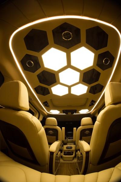 Ford Tourneo Premium – Limousine đẳng cấp