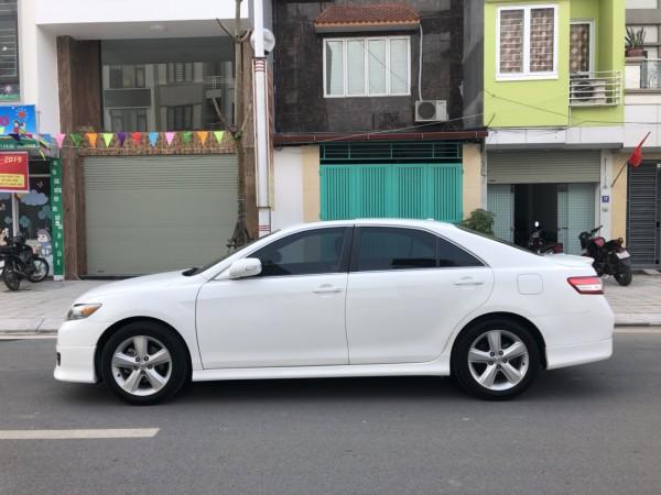 Toyota Camry 2009 màu trắng, xe sử dụng cực cẩn thận