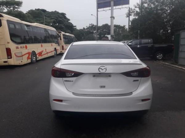 Mazda 3 Bán Mazda3 1.5AT 2015 màu trắng