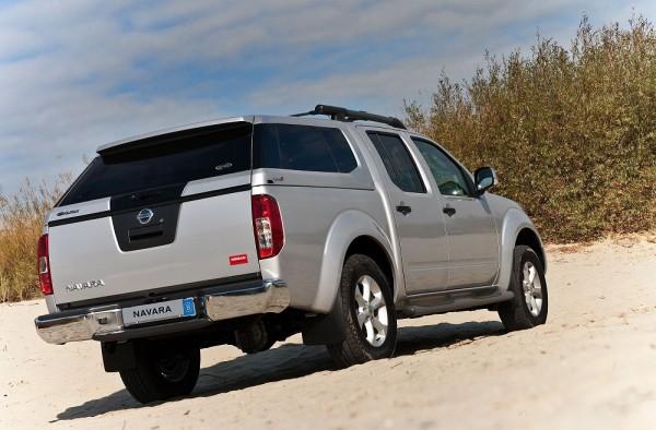 Nissan Navara Kiểu dáng khoẻ khắn,động cơ mạnh mẽ..