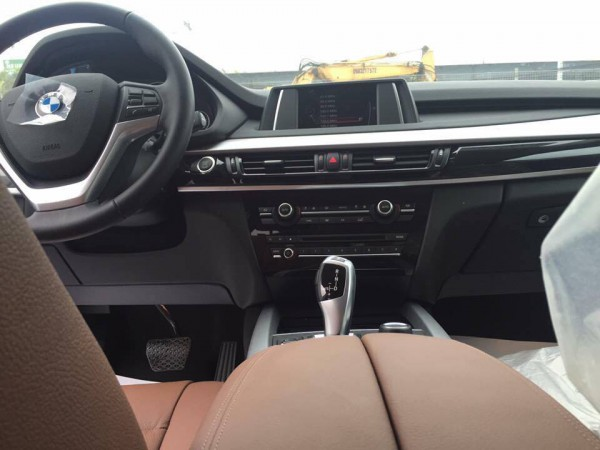 BMW X5 BMW X5 2016, màu trắng, nhập khẩu.