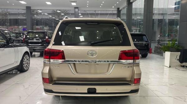 Toyota Land Cruiser SIÊU HOT. Duy nhất 1 xe màu vàng Toyota