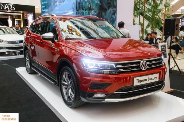 Volkswagen Tiguan Luxury màu cam tặng quà khủng