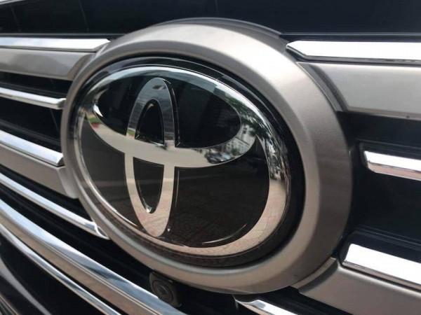 Toyota Land Cruiser LAND CRUISER 5.7 VX nhập Mỹ model 2018