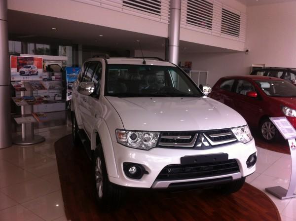 Mitsubishi Pajero Sport 4WD  giá tốt nhất giao xe ngay!