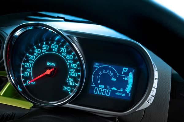 Chevrolet Spark LTZ AT 2015 giảm 48 triệu