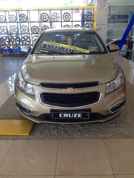 Chevrolet Cruze 1.6LT 2016, nhiều màu lựa chọn