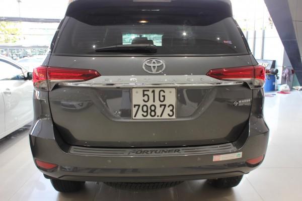 Toyota Fortuner Bán Fortuner lướt 8000km, biển Sài Gòn