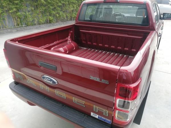 Ford Ranger Ranger XLS chỉ 130 triệu đã nhận xe