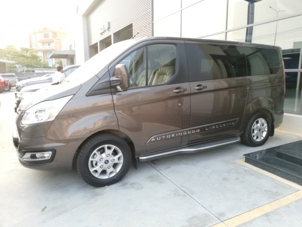Ford Tourneo Tourneo Limousine ưu đãi 150tr sau thuế