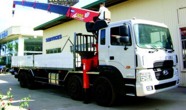Hyundai H-D xe tải hyundai gắn cẩu tự hành 10 tấn