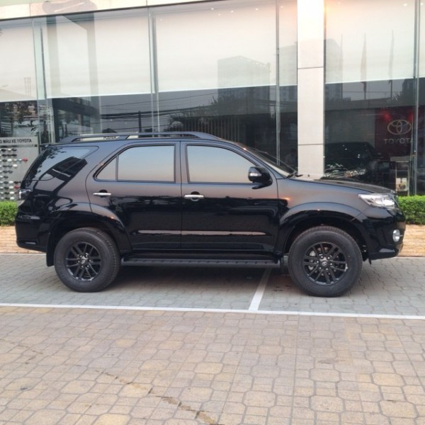 Toyota Fortuner 2.7V (AT) 2015