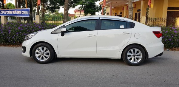 Kia Rio bán xe RIO 2016, số sàn, màu trắng