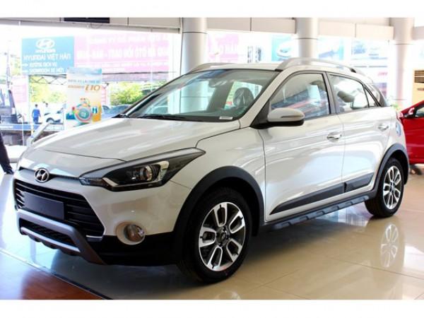Hyundai i20 Active 2017 nhập mới, xe có sẵn đủ màu.
