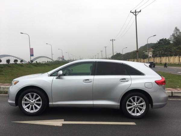 Toyota Venza 2009 màu bạc,xe nhập Mỹ