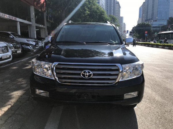 Toyota Land Cruiser 2010 đen