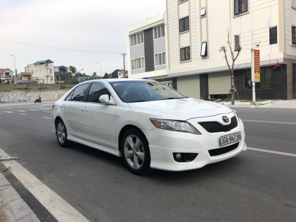 Toyota Camry SE 2010 màu trắng, xe chính chủ giá tốt