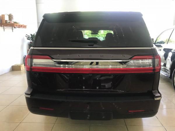 Lexus LX 570 Lincoln Navigator Black Label 2019