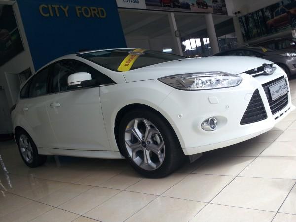 Ford Fiesta Ford Focus - Giá Cực Tốt