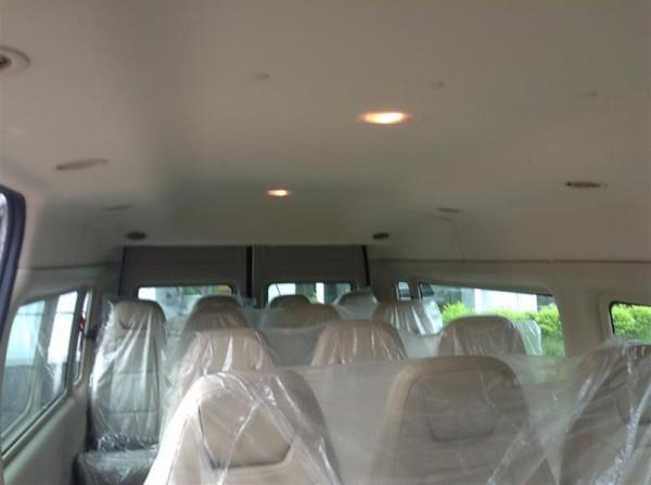 Ford Transit Transit Luxury trả trước 200