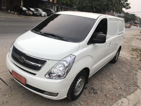 Hyundai Starex Bán starex 3 chỗ,900kg đời 2008 số sàn