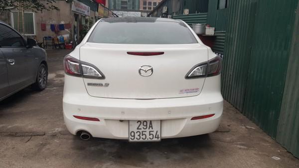 Mazda 3 Mazda3S màu trắng 2013