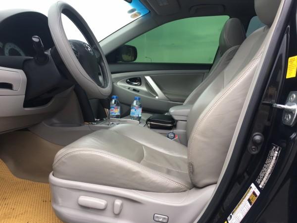 Toyota Camry SE sản xuất năm 2011 màu đen