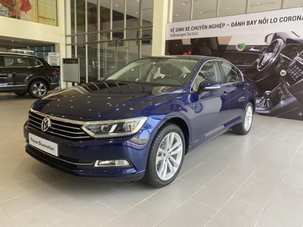 Volkswagen Giảm giá ngày 177 triệu khi mua Passat