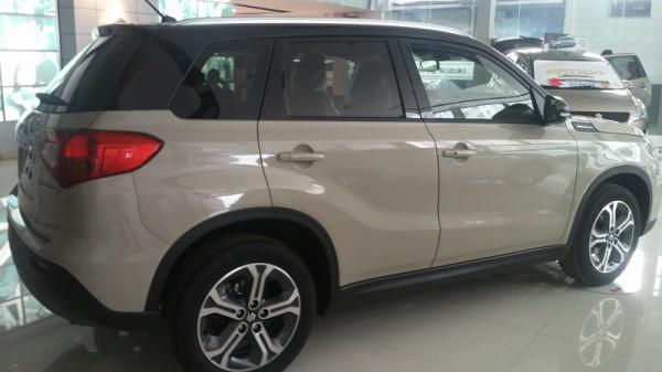 Suzuki Vitara Suzuki Vitara 2018 - Trắng ngà nóc đen