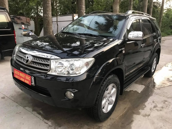 Toyota Fortuner Bán fotuner đời 2011,máy xăng 2 cầu AT