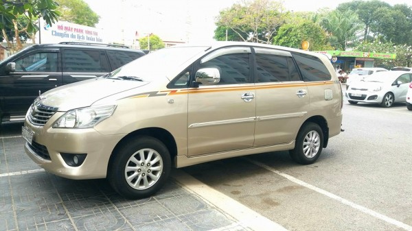 Toyota Innova E 2.0