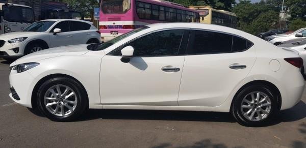 Mazda 3 Bán Mazda3 1.5AT màu trắng sản xuất 2017