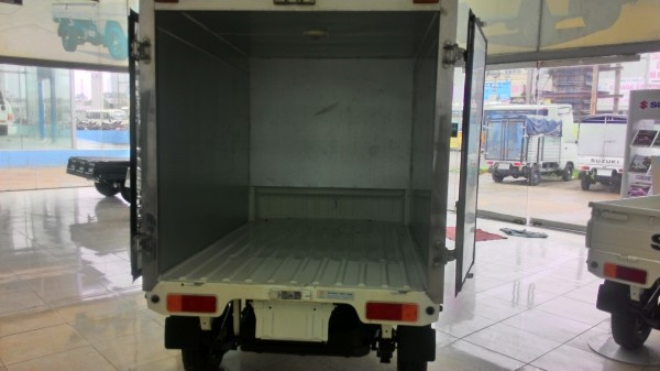 Suzuki Super-Carry Truck thùng kín 2 lớp inox bền và đẹp, giá rẻ