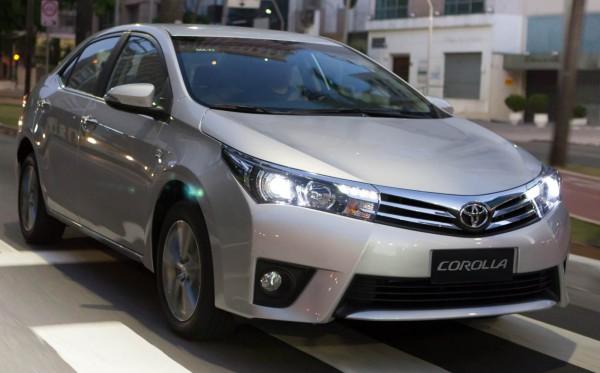 Toyota Corolla Altis 2.0V giá tốt nhất.LH Huy 0978329189